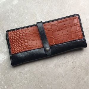UO Silence and Noise Leather Wallet